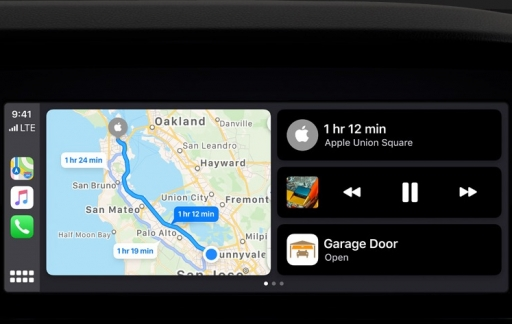 iOS 13 CarPlay Dashboard met garagedeur.