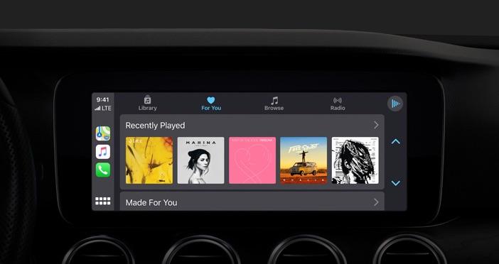 CarPlay in iOS 13 met Muziek-app.
