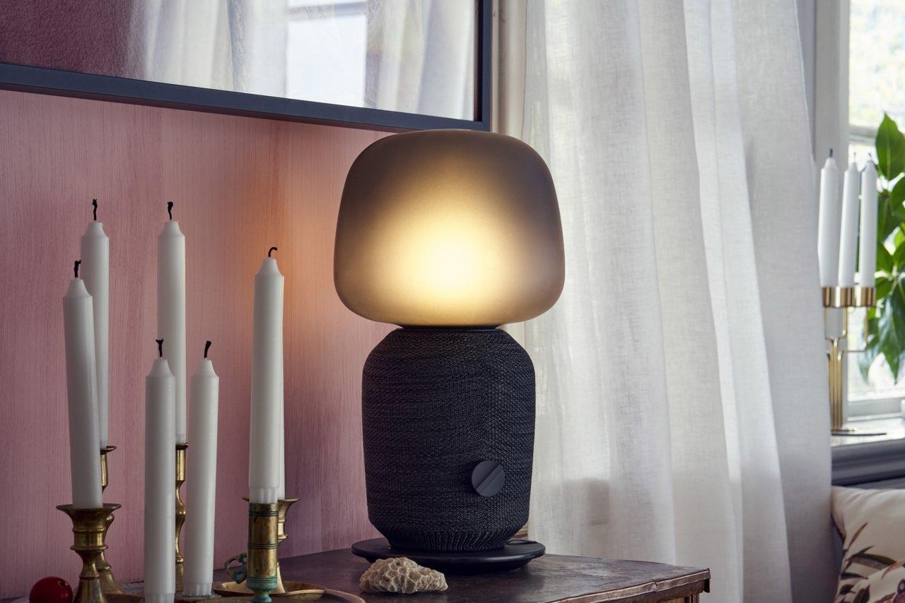 IKEA Symfonisch tafellampspeaker review in woonkamer