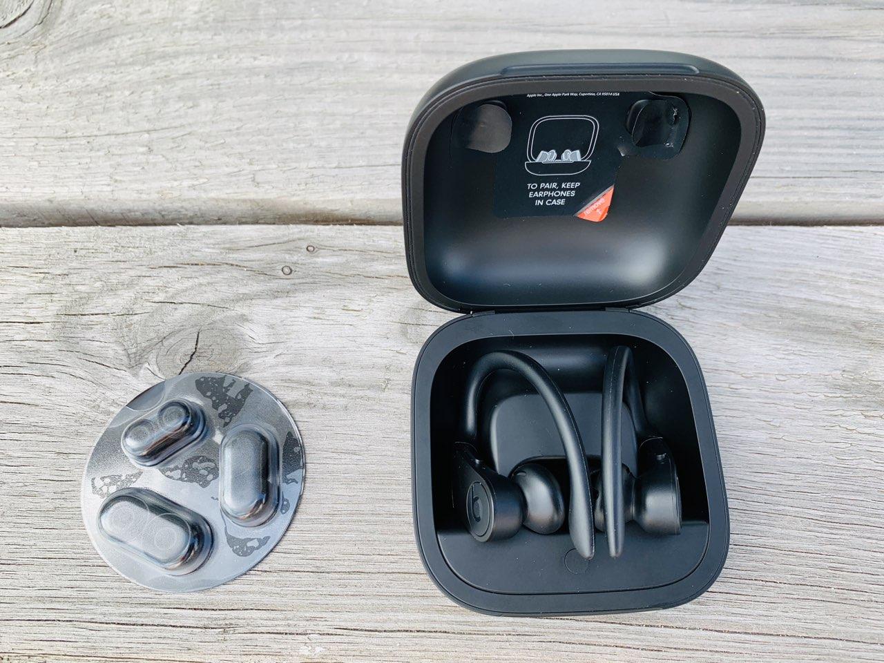 Powerbeats Pro review: in het doosje
