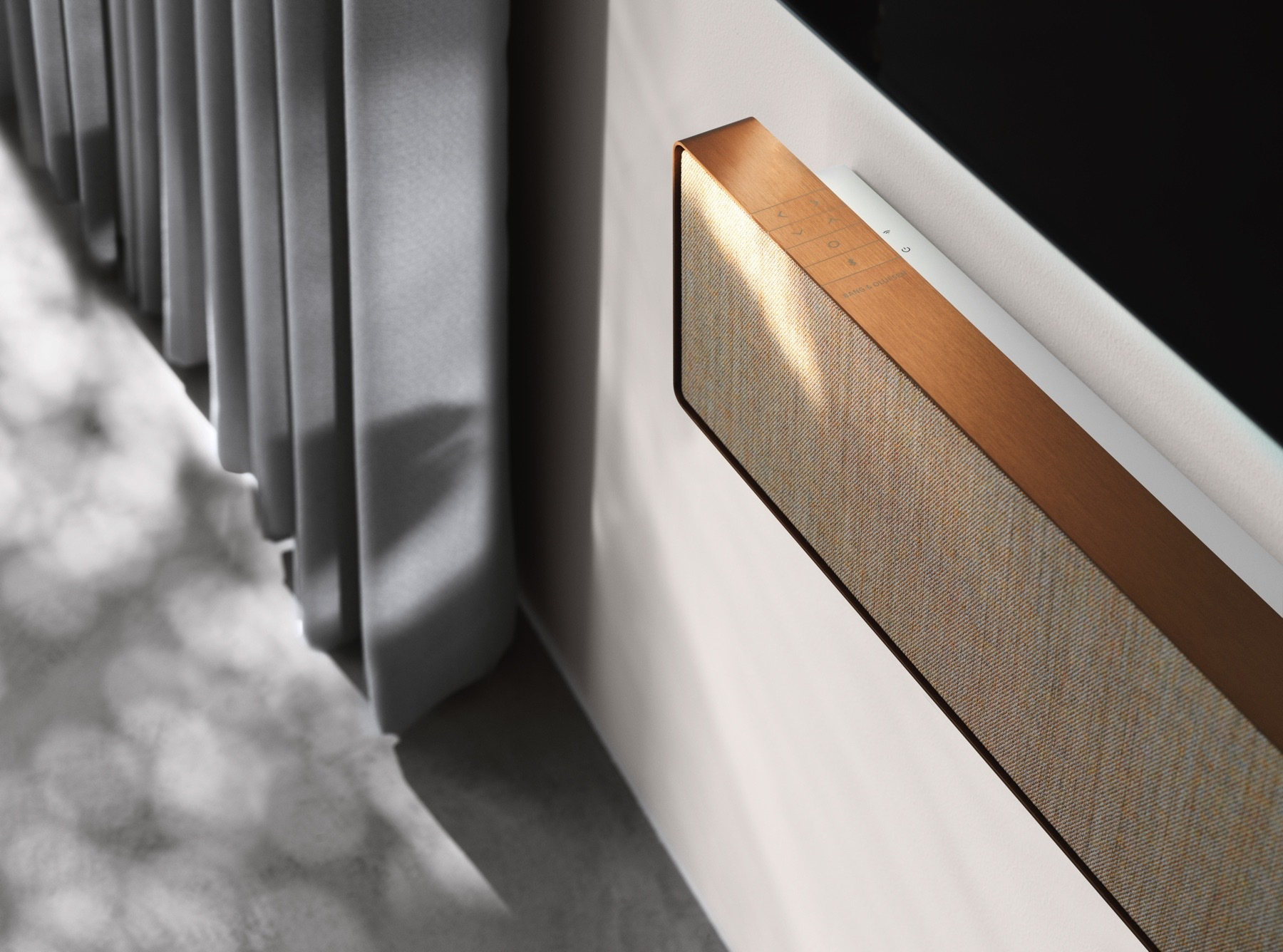 Bang & Olufsen Beosound Stage sounder in hout.