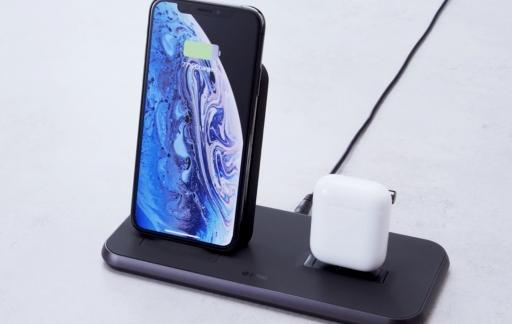 ZENS Stand+Dock oplader voor AirPods en iPhone.