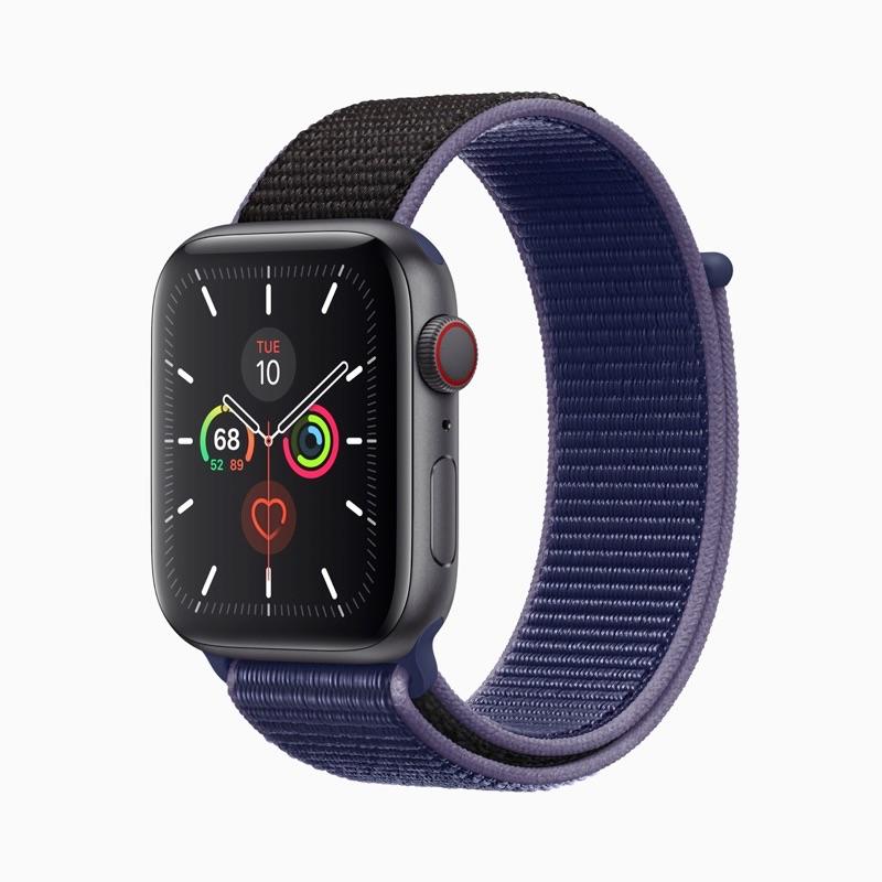 Apple Watch Series 5 met Meridian wijzerplaat in blauw.