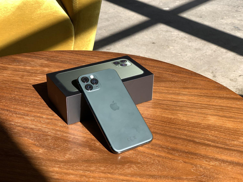 iPhone 11 Pro (Max) review: op een tafeltje