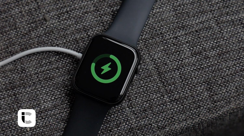Apple Watch Series 5 opladen.