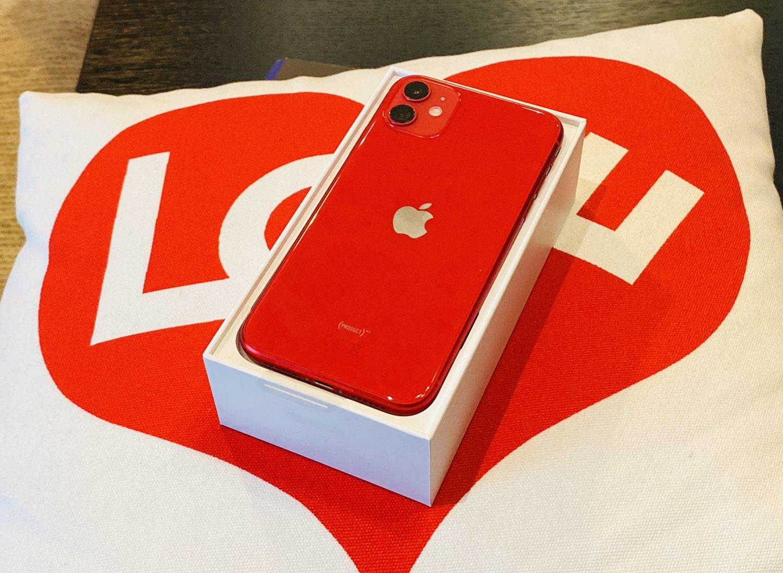 iPhone 11 review op het doosje