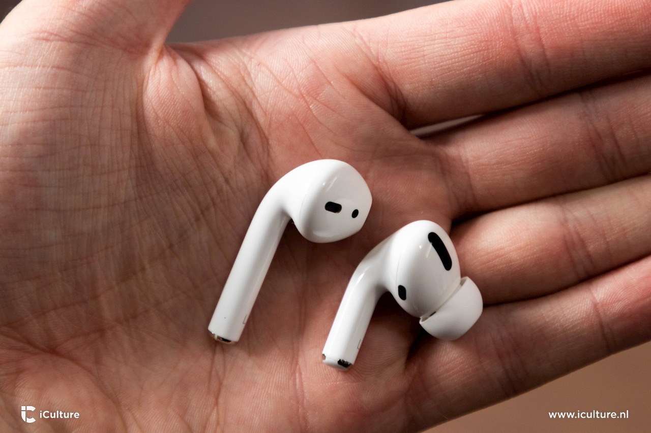 AirPods Pro naast gewone AirPods