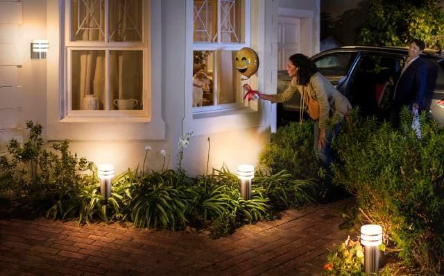 Philips Hue Lucca sokkel en wandlamp