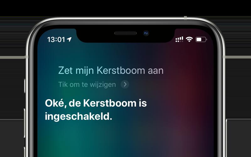 Met Siri je HomeKit kerstboom aanzetten.