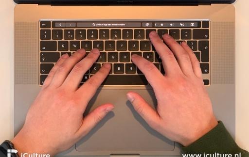 MacBook Pro 16-inch toetsenbord boven
