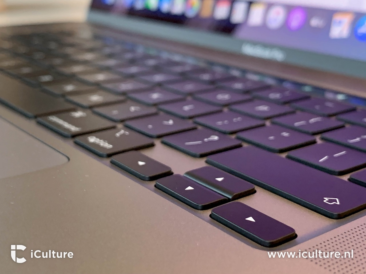 MacBook Pro 16-inch toetsenbord pijltjestoetsen