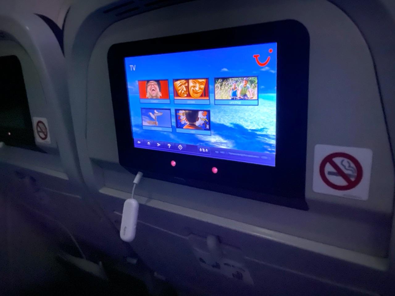 AirFly Pro in het entertainmentsysteem in vliegtuig.