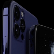iPhone 12 Pro camera in blauw.