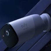 EufyCam 2 camera in donker.