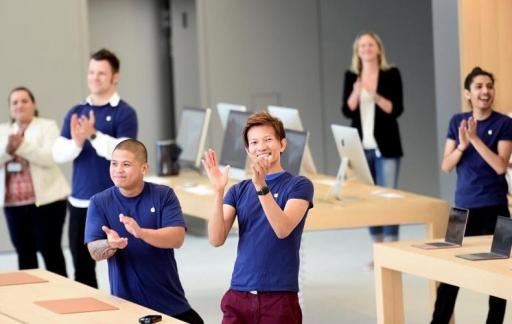 Klappend Apple Store-personeel