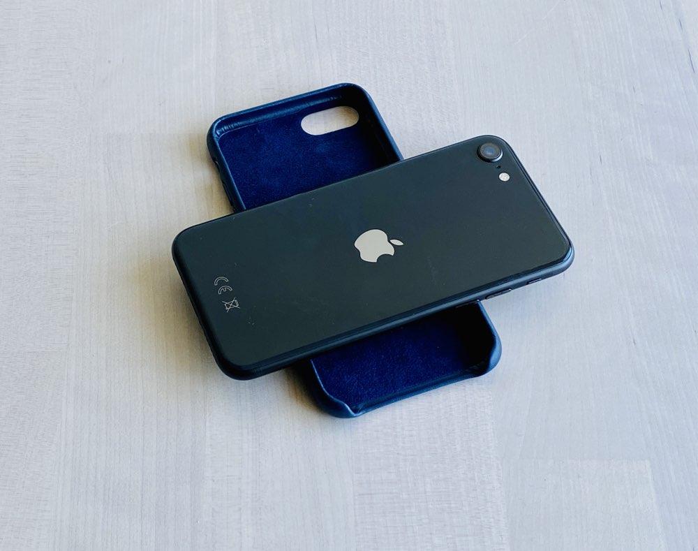 iPhone SE 2020 review: met hoesje.
