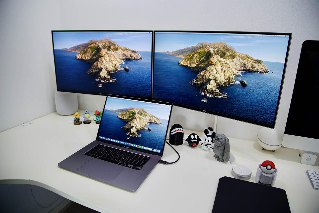 Thuiswerkplek Bas met LG-scherm en MacBook Pro