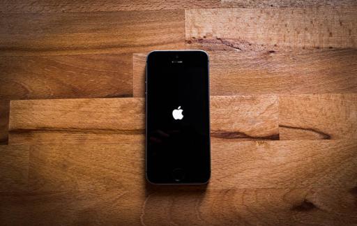 iPhone valt spontaan uit