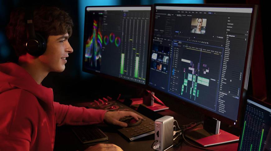 Anker Thunderbolt Dock met Mac en extern scherm