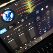 Populaire djay-app kan nu in real-time instrumenten en vocalen scheiden