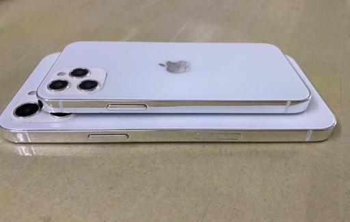 iPhone 12 dummy zijkant Sonny Dickson
