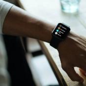 Zo bekijk je een lijst van apps op de Apple Watch