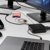 Belkin Thunderbolt 3 Dock Core op bureau.