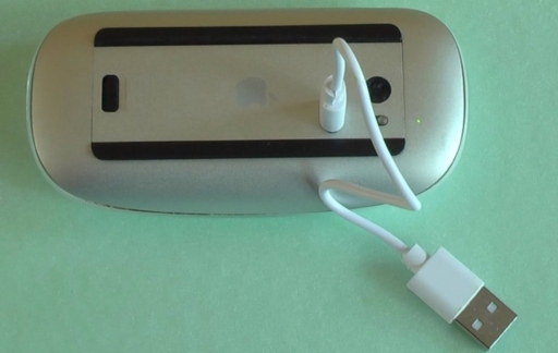 Magic Mouse met Micro USB opladen