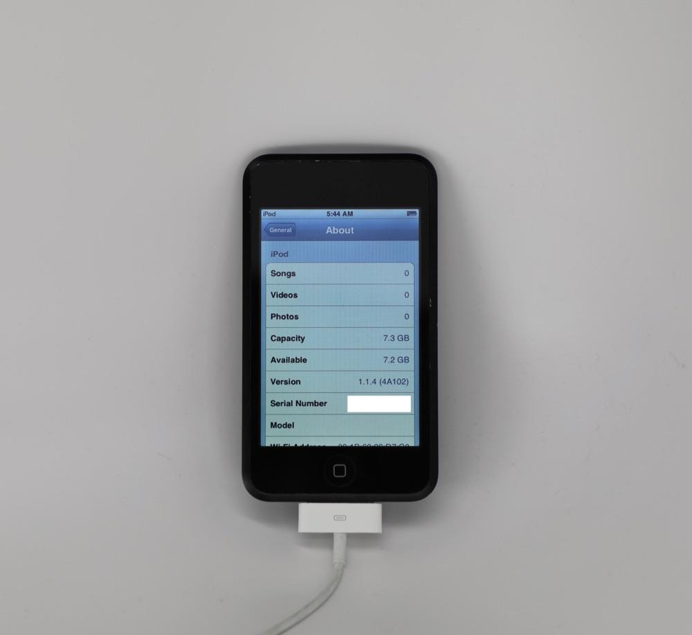 iPod touch prototype van de eerste generatie met Instellingen-menu.