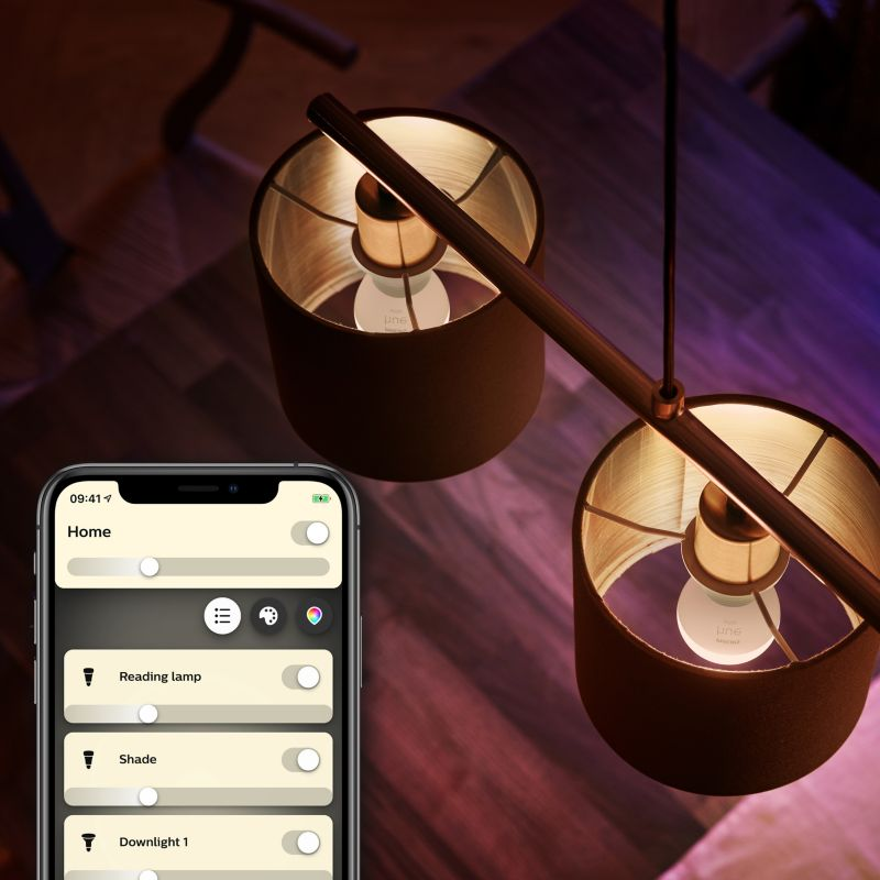 Philips Hue E14 Luster lamp P45 in armaturen.