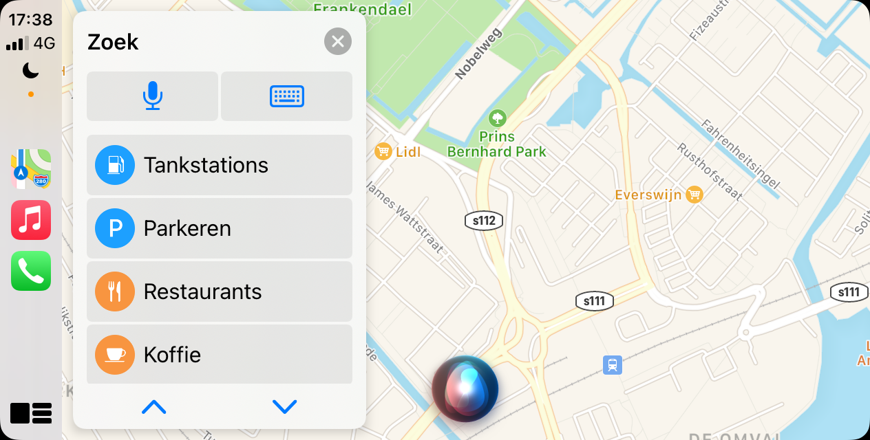 Apple Kaarten in CarPlay: zoeken en bestemmingen.