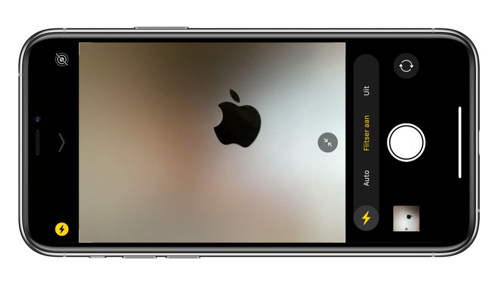 Selfie flitser op iPhone met Retina Flash.