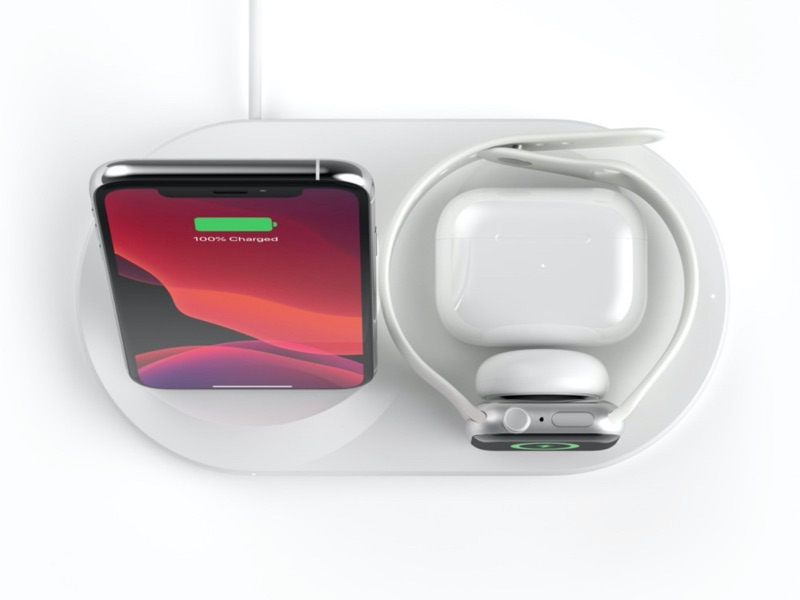 Bovenkant van Belkin Boost Up Charge 3-in-1 oplader in wit.