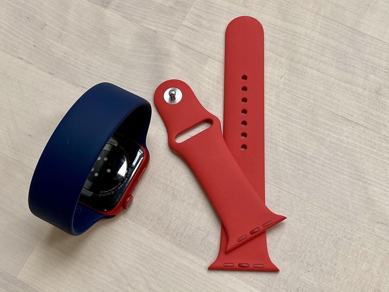 Apple Watch Series 6 in rood en blauw