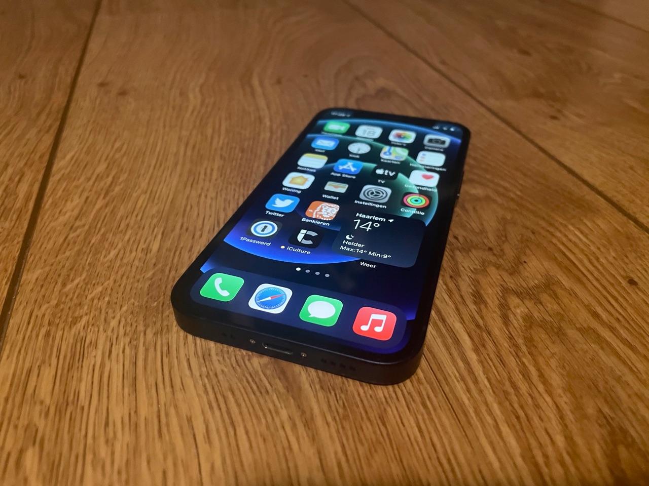 iPhone 12 mini scherm.