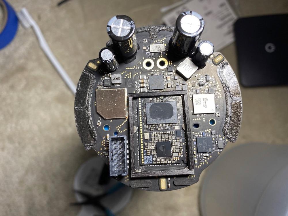 HomePod mini teardown met binnenkant.
