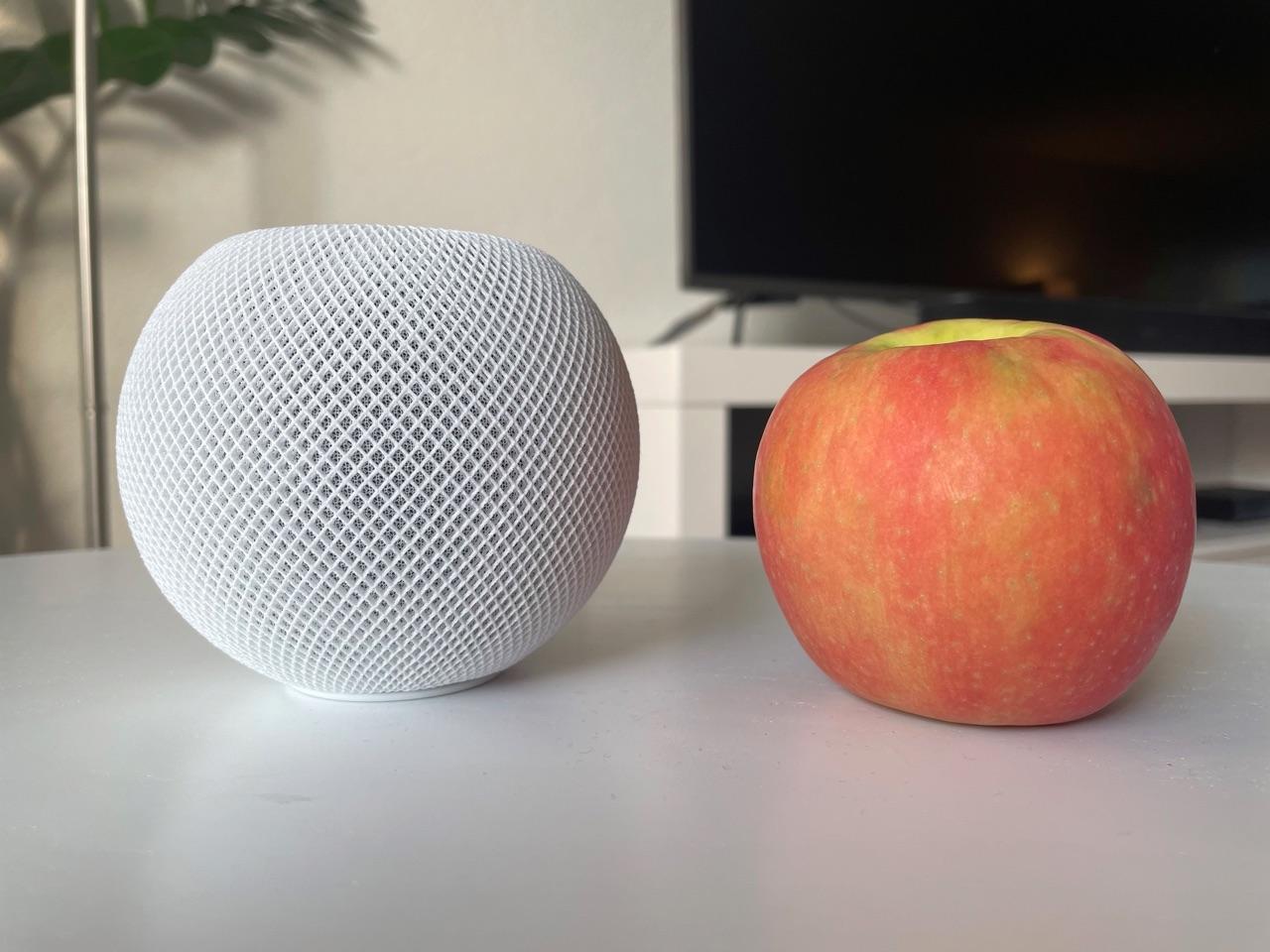 HomePod mini review: formaat vergeleken met appel.