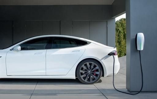 Tesla-oplader