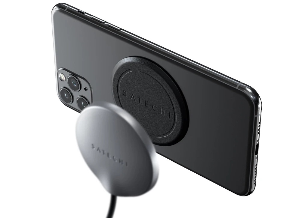 Satechi Magnetic Wireless Charger sticker