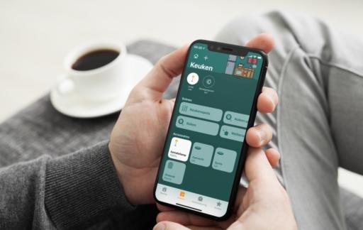 Woning-app met herkenbare achtergrond.