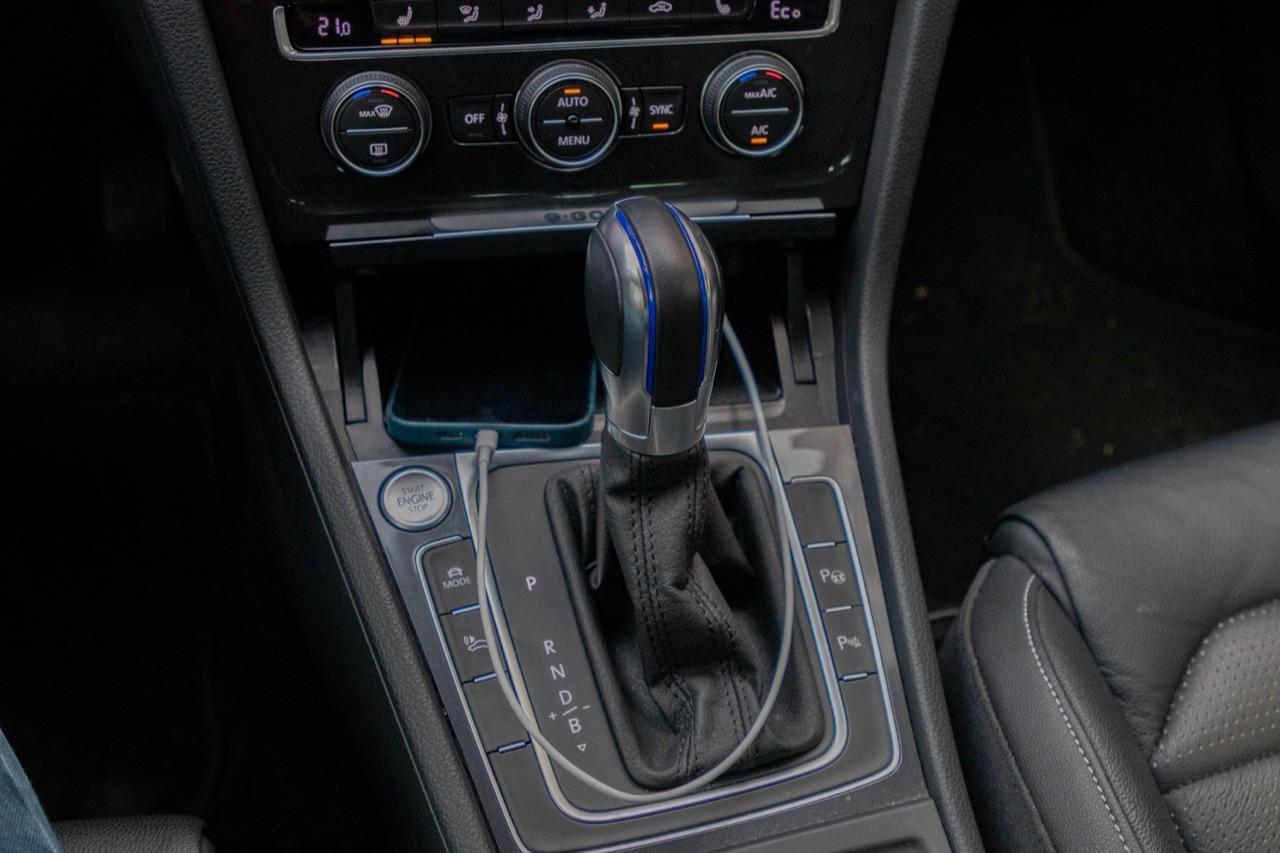 Bekabeld CarPlay gebruiken