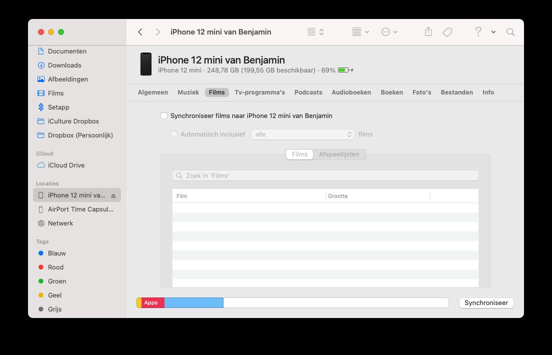 Films naar iPhone synchroniseren met de Mac via de Finder.