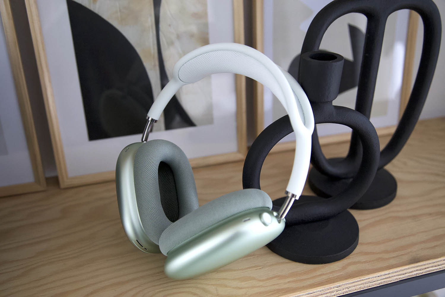AirPods Max review: hangend