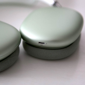 AirPods Max review: Lightning-aansluiting
