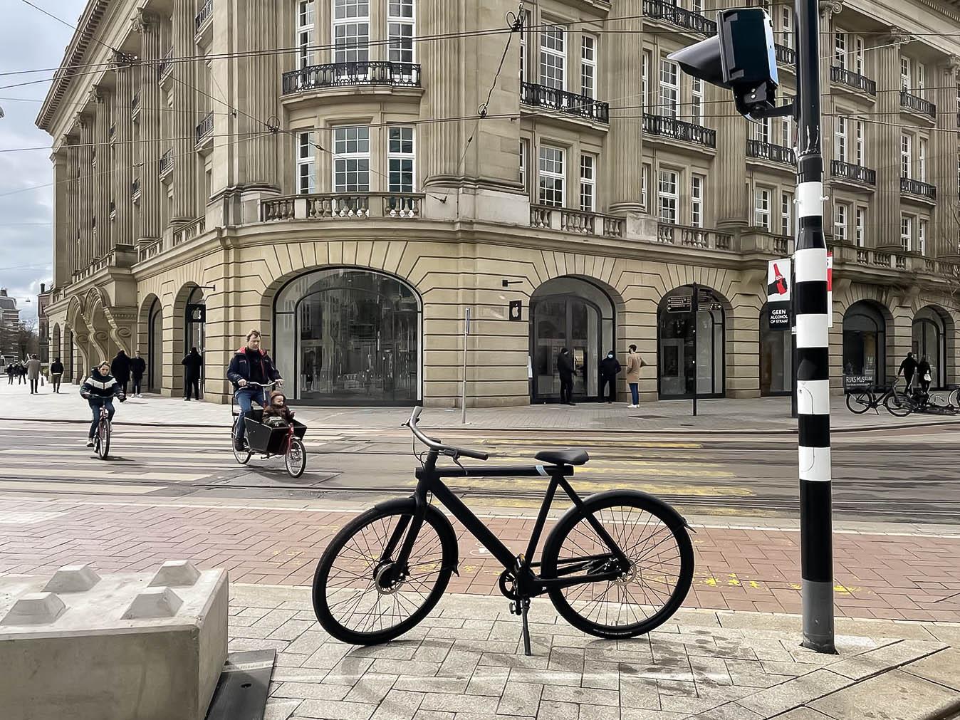 Apple Store met VanMoof S3 fiets