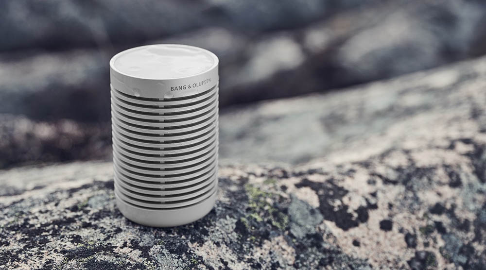 Beosound Explore speaker in lichtgrijs