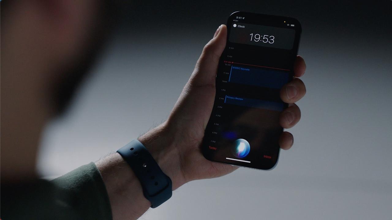 On-device processing Siri