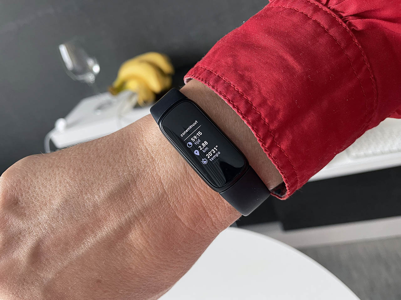 Review Fitbit Luxe op je arm