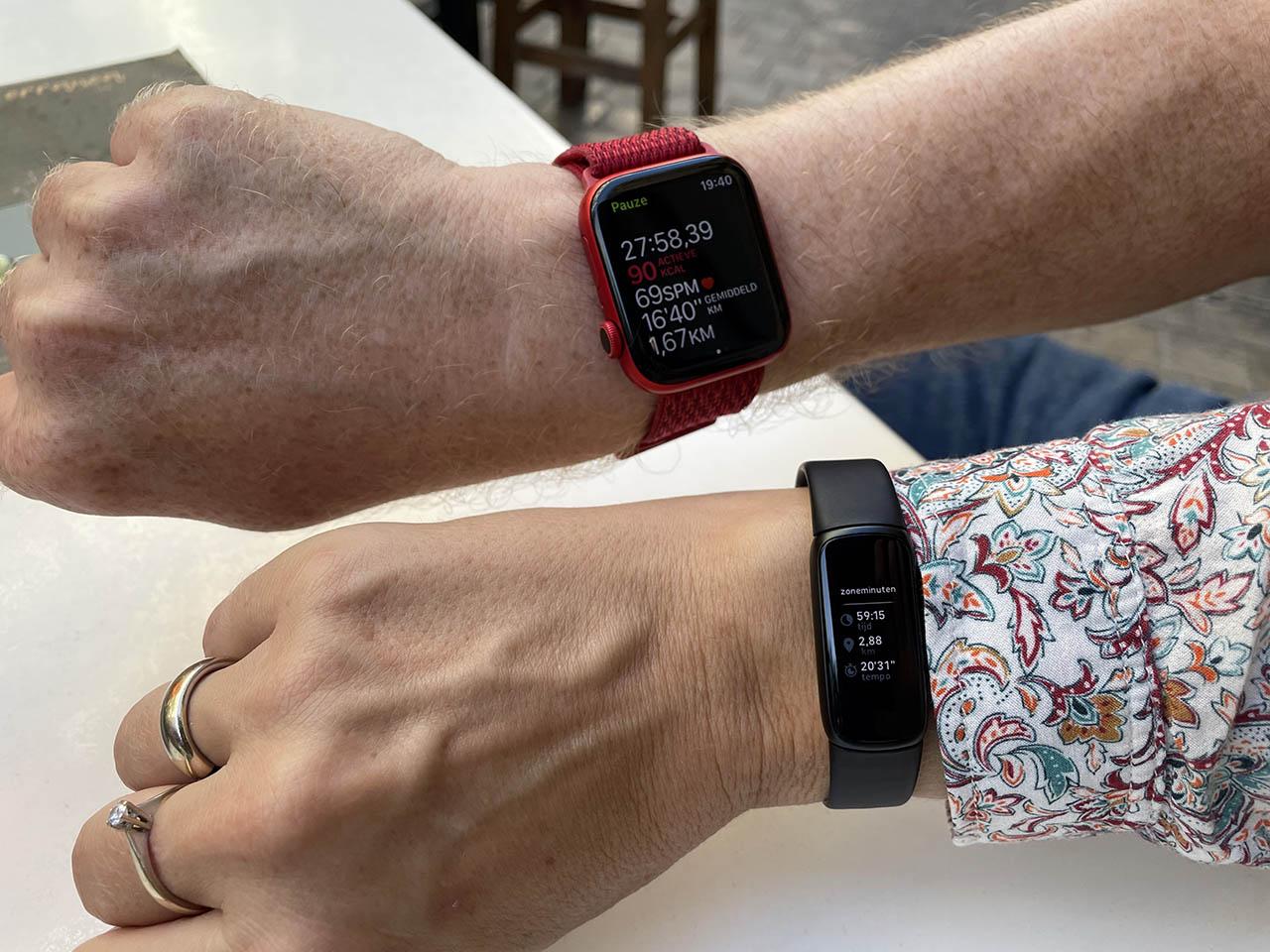 Fitbit Luxe vs Apple Watch