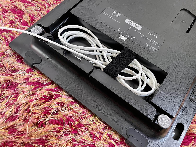 Ikea Symfonisk schilderijlijst speaker stroomsnoer